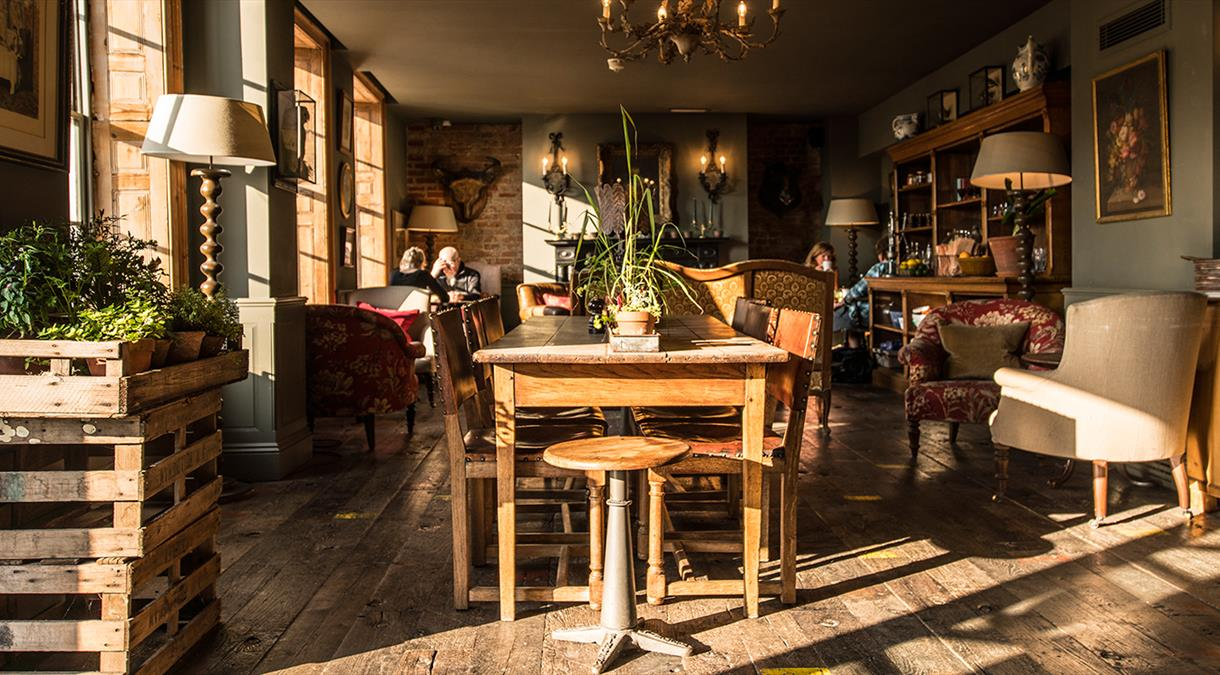 Restaurants in Hampshire - The Pig in the Wall Southampton