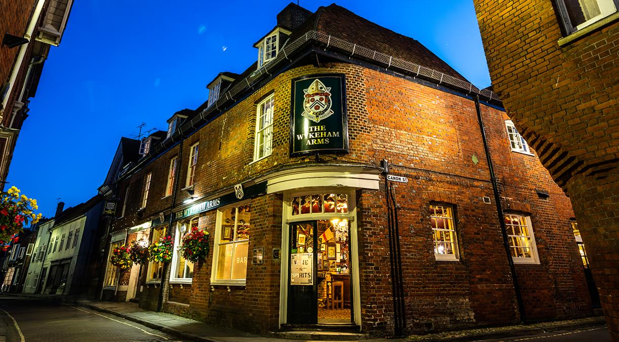 Pubs in Hampshire - The Wykeham Arms in Winchester