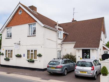 The Maples Guest House in Hythe