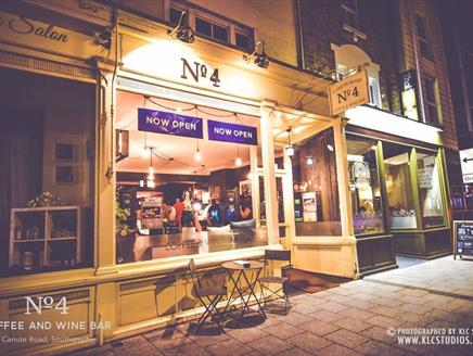 No.4 Coffee and Wine Bar