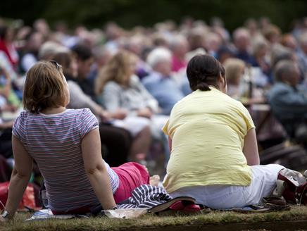 Outdoor Theatre: Sense & Sensibility at The Vyne