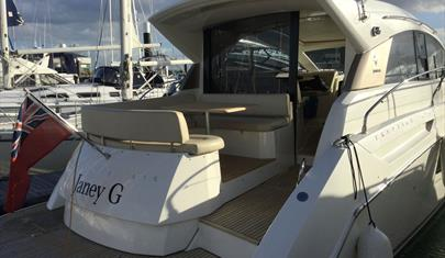 Jeanneau Prestige 42S - Beds on Board