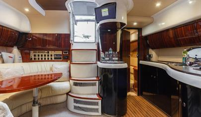 Beds on Board - 45ft Motor Cruiser in Hythe