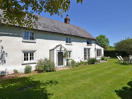 Walnut Tree Cottage, New Forest Cottages